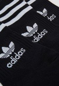adidas Originals - MID CUT UNISEX 3 PACK - Socks - black/white - 1