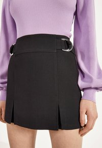 Bershka - MIT SCHNALLEN  - Shorts - black - 3
