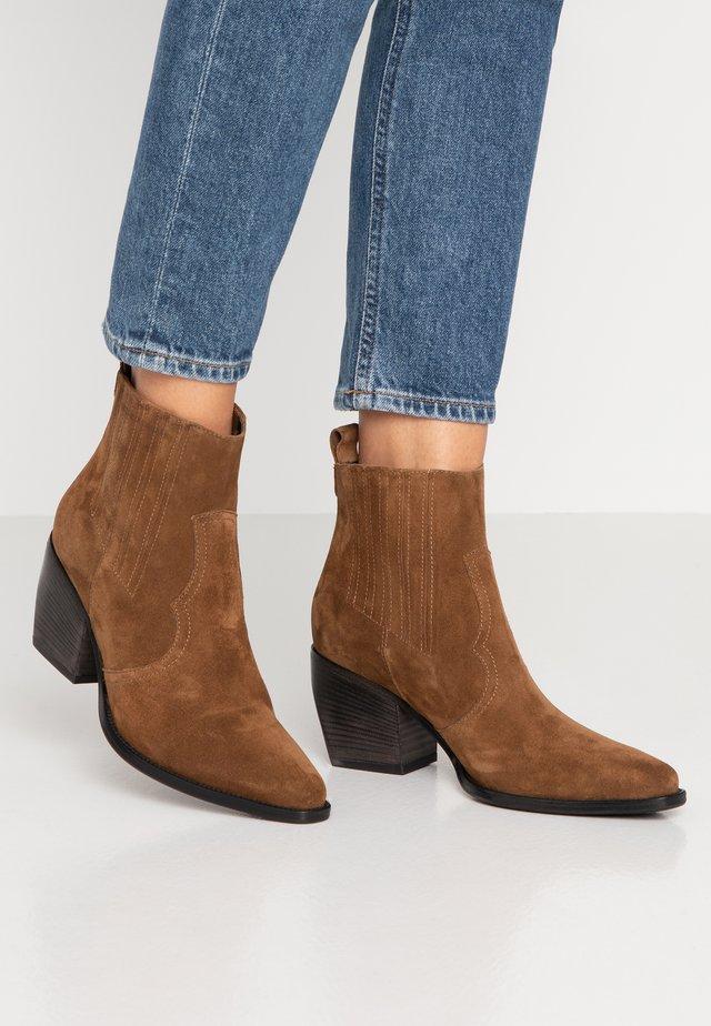 LUNA - Ankle boots - bourbon/schwarz