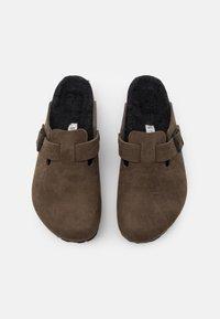 Birkenstock - BOSTON UNISEX - Slippers - dusty concrete gray - 3