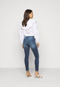 ONLY Petite - ONLBLUSH LIFE - Jeans Skinny Fit - medium blue denim - 2