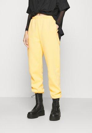 BASIC - Pantalones deportivos - vanilla