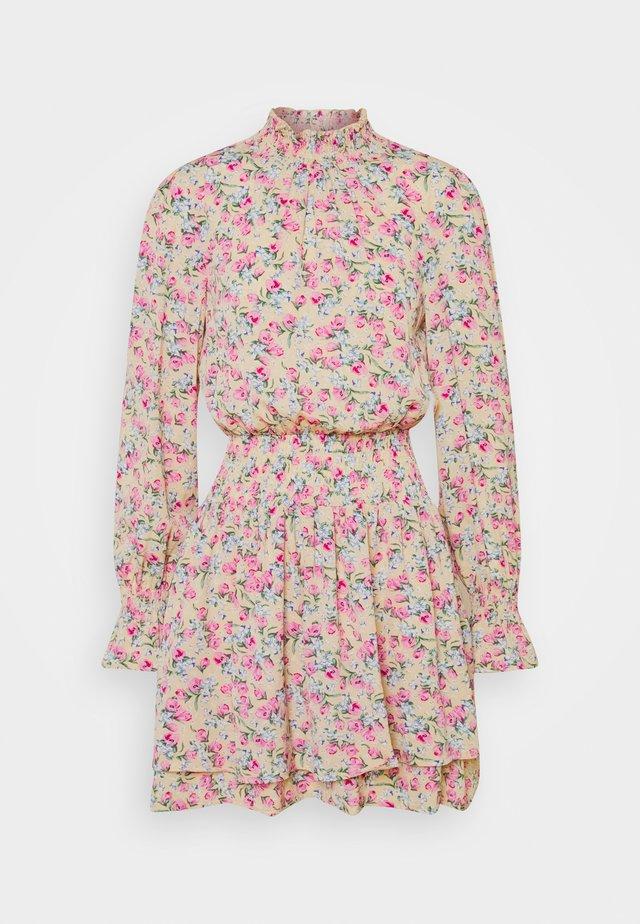 FLORAL HIGH NECK SHIRRED MINI DRESS - Kjole - multi