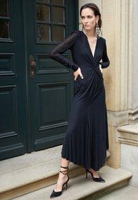 Philosophy di Lorenzo Serafini - Maxi dress - black - 2