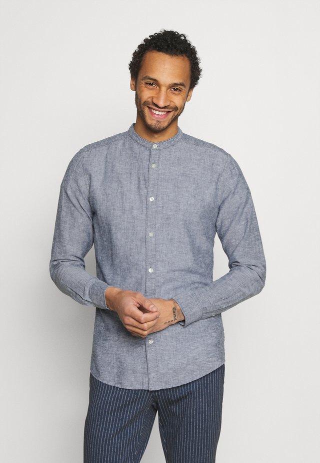 ONSCAIDEN SOLID MAO - Camicia - dark blue