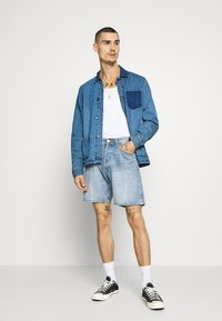 Redefined Rebel - EARL WORKER JACKET - Denim jacket - light blue