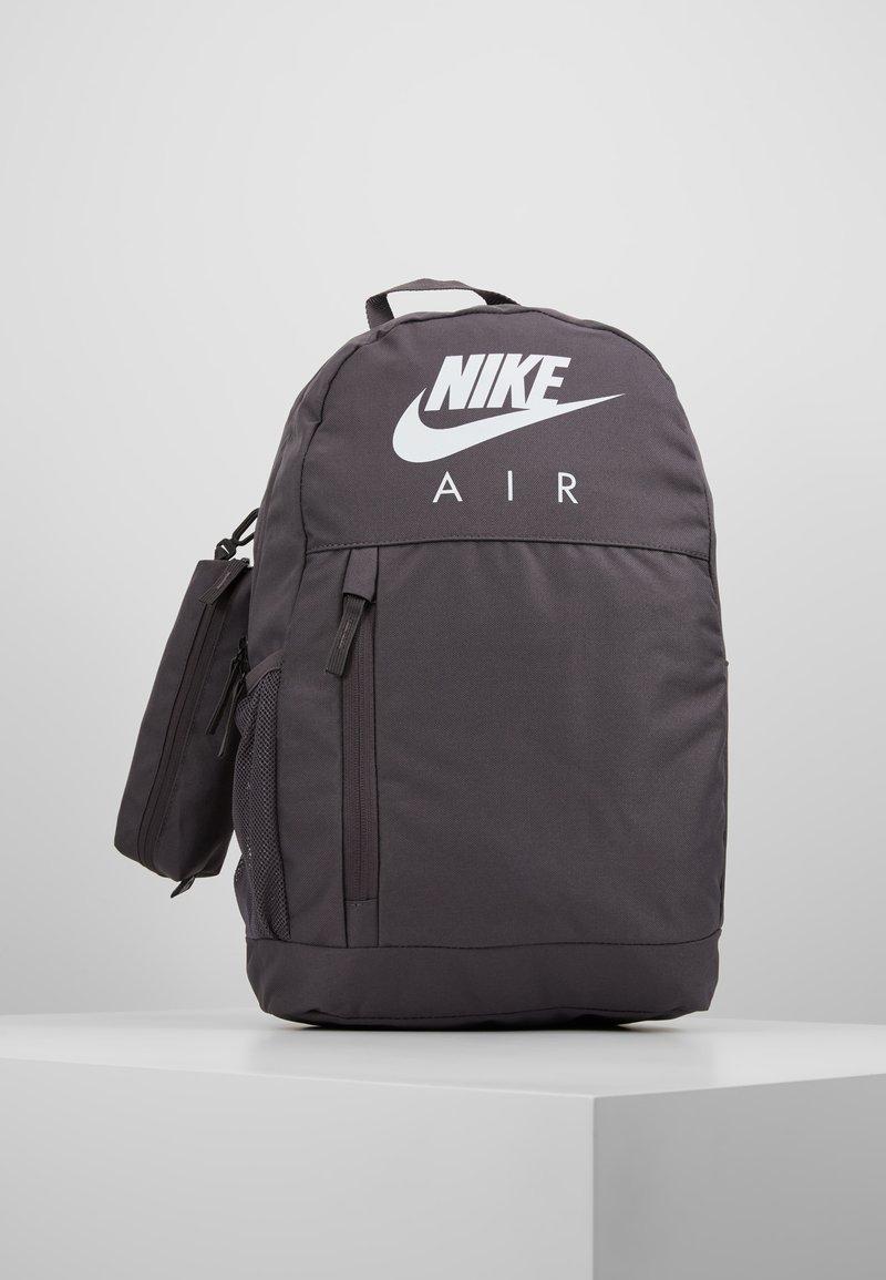 Nike Sportswear - UNISEX - Schulranzen Set - thunder grey/white