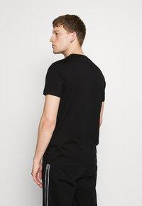 KARL LAGERFELD - CREWNECK - T-shirt imprimé - black - 2