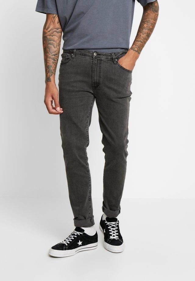 PANTHEON  - Slim fit -farkut - washed black