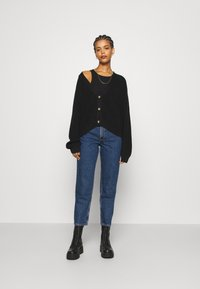 Monki - TAIKI LA LUNE - Straight leg jeans - blue medium dusty - 1