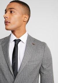Burton Menswear London - CHALK BLAZER - Suit jacket - grey - 3