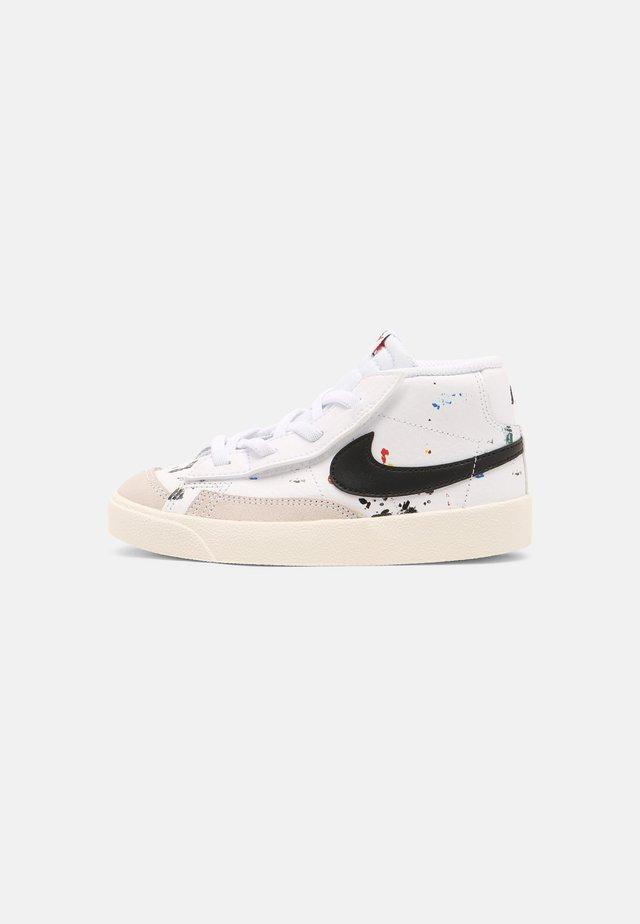 BLAZER MID '77 BB BT UNISEX - Sneakers hoog - white/black/sail