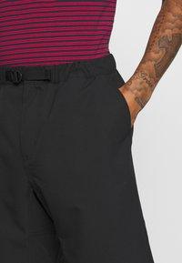 Carhartt WIP - COPEMAN  - Shorts - black - 4