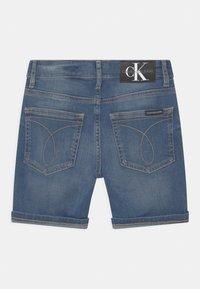 Calvin Klein Jeans - REGULAR FRESH  - Denim shorts - denim - 1