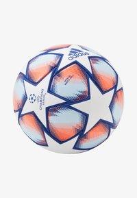 FIN 20 PRO - Football - white/royblu/sigcor/s