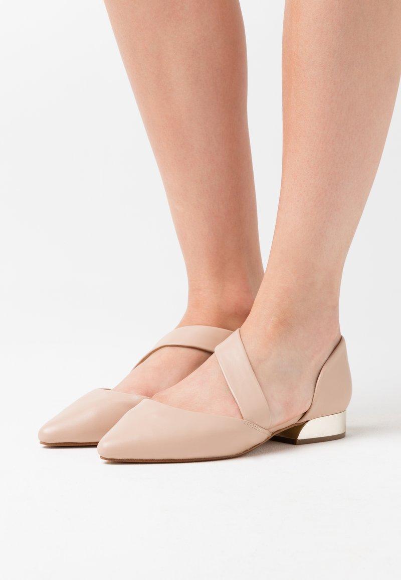 ALDO - ABOVIA - Nazouvací boty - bone