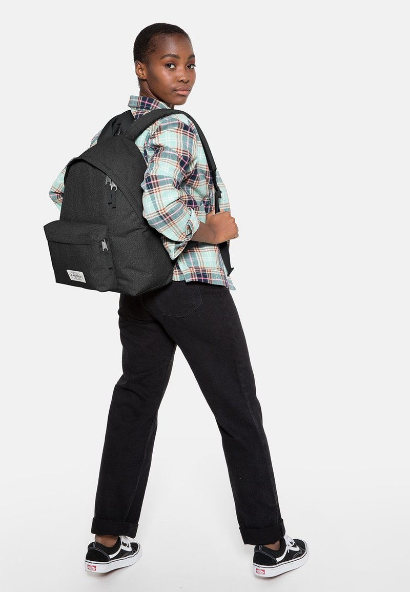 Eastpak - PADDED PAK'R - Ryggsäck - muted dark