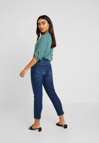 ONLY Petite - ONLEMILY - Jean droit - dark blue denim - 2