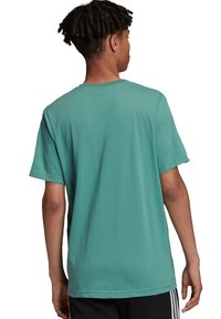 adidas Originals - Camiseta estampada - green - 1