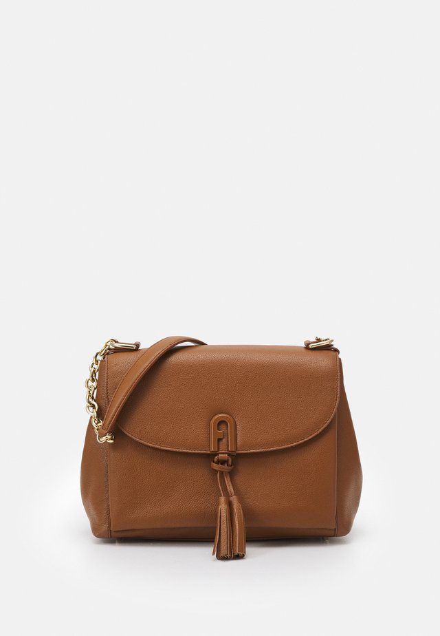 TASSEL SHOULDER BAG - Bolso de mano - cognac