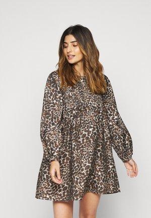 OBJNILLA  - Shirt dress - sandshell/multi colour