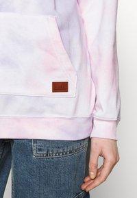 Roxy - OCEAN GOER - Jersey con capucha - pink - 5