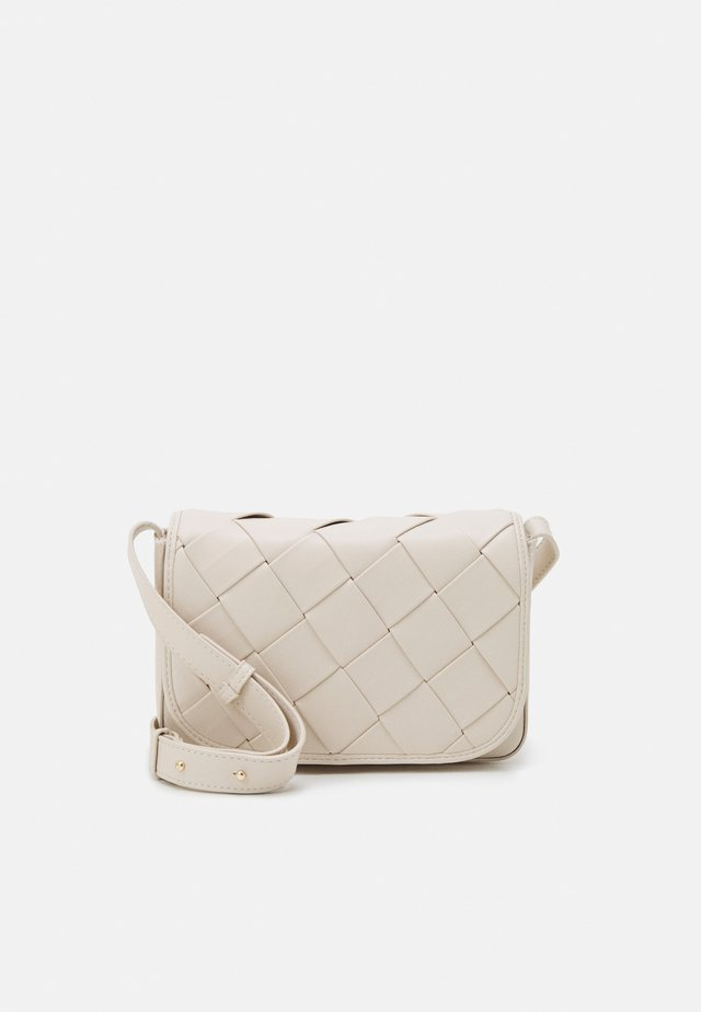 PCZANA CROSS BODY - Torba na ramię - cloud dancer