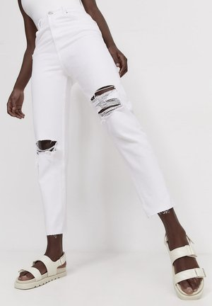 MOM FIT - Jeans a sigaretta - white