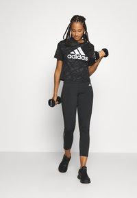 adidas Performance - Triko spotiskem - black/white - 1
