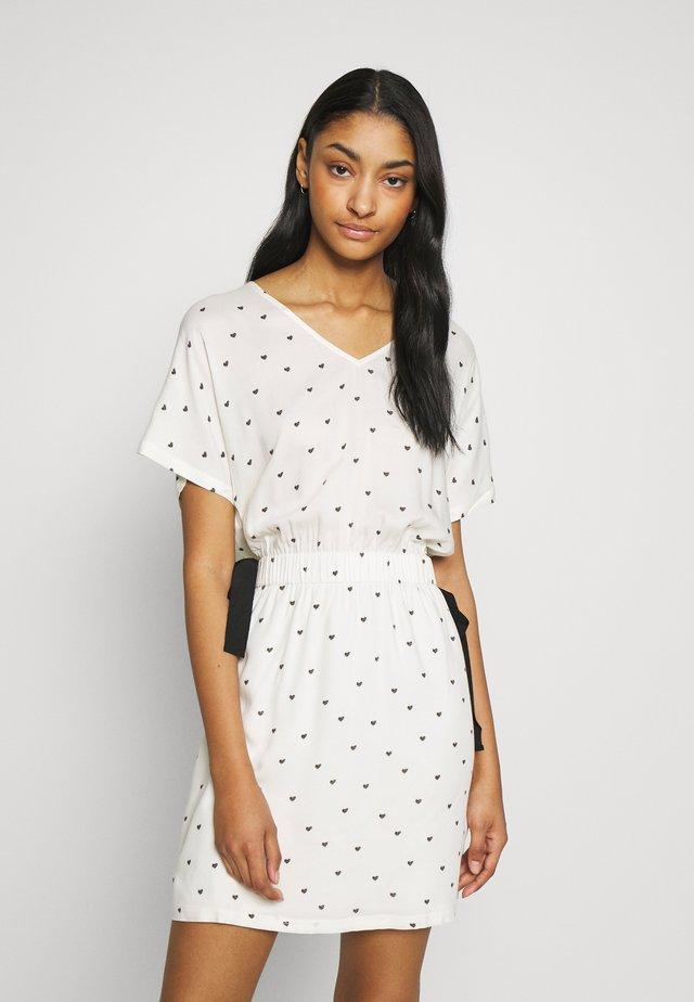 LOVY - Day dress - vanilla