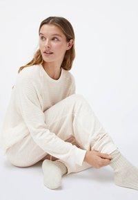 OYSHO - Pyjama bottoms - white - 5