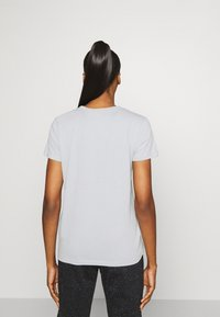 Under Armour - LIVE SPORTSTYLE GRAPHIC - Print T-shirt - mod gray light heather