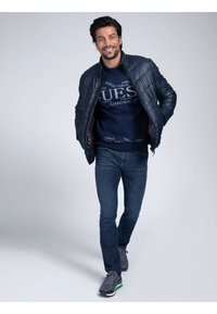 Guess - Winter jacket - mehrfarbig, grundton blau - 1