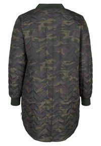 Zizzi - Down jacket - green - 4