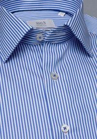 Eterna - SLIM FIT - Formal shirt - hellblau/weiß - 5