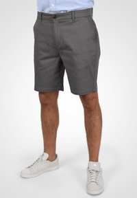 Solid - RAVI - Shorts - forged iron - 0