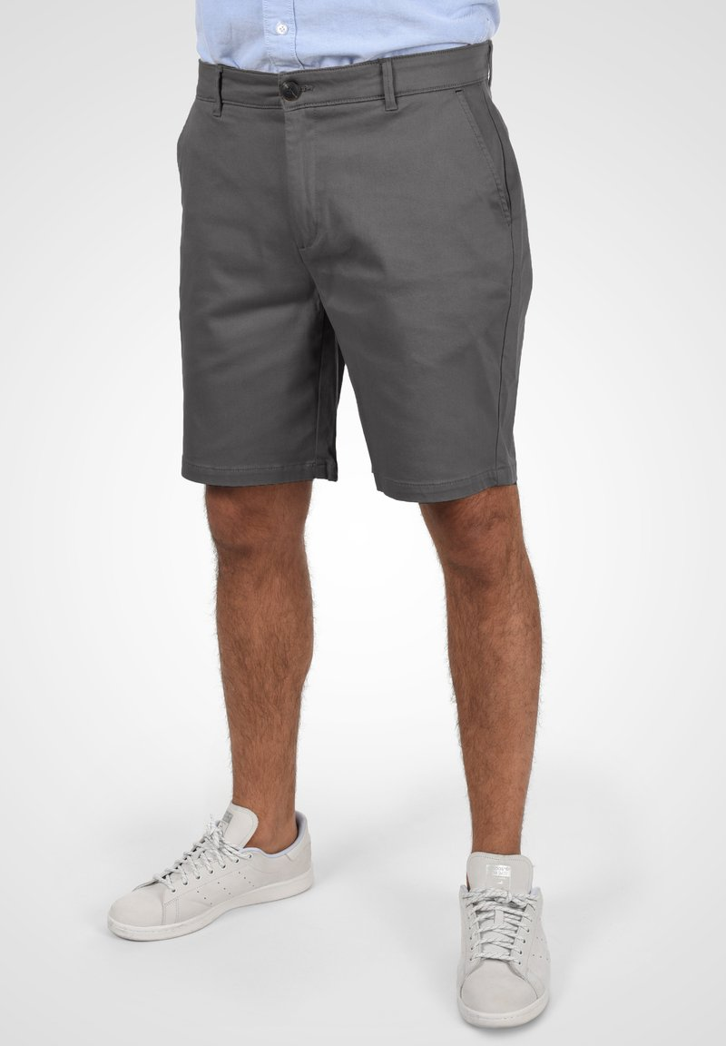Solid - RAVI - Shorts - forged iron