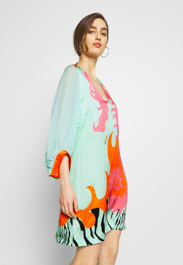 Korte jurk - pink variant