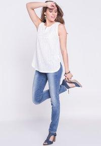 BONOBO Jeans - DAMEN - Slim fit jeans - stone blue denim - 1