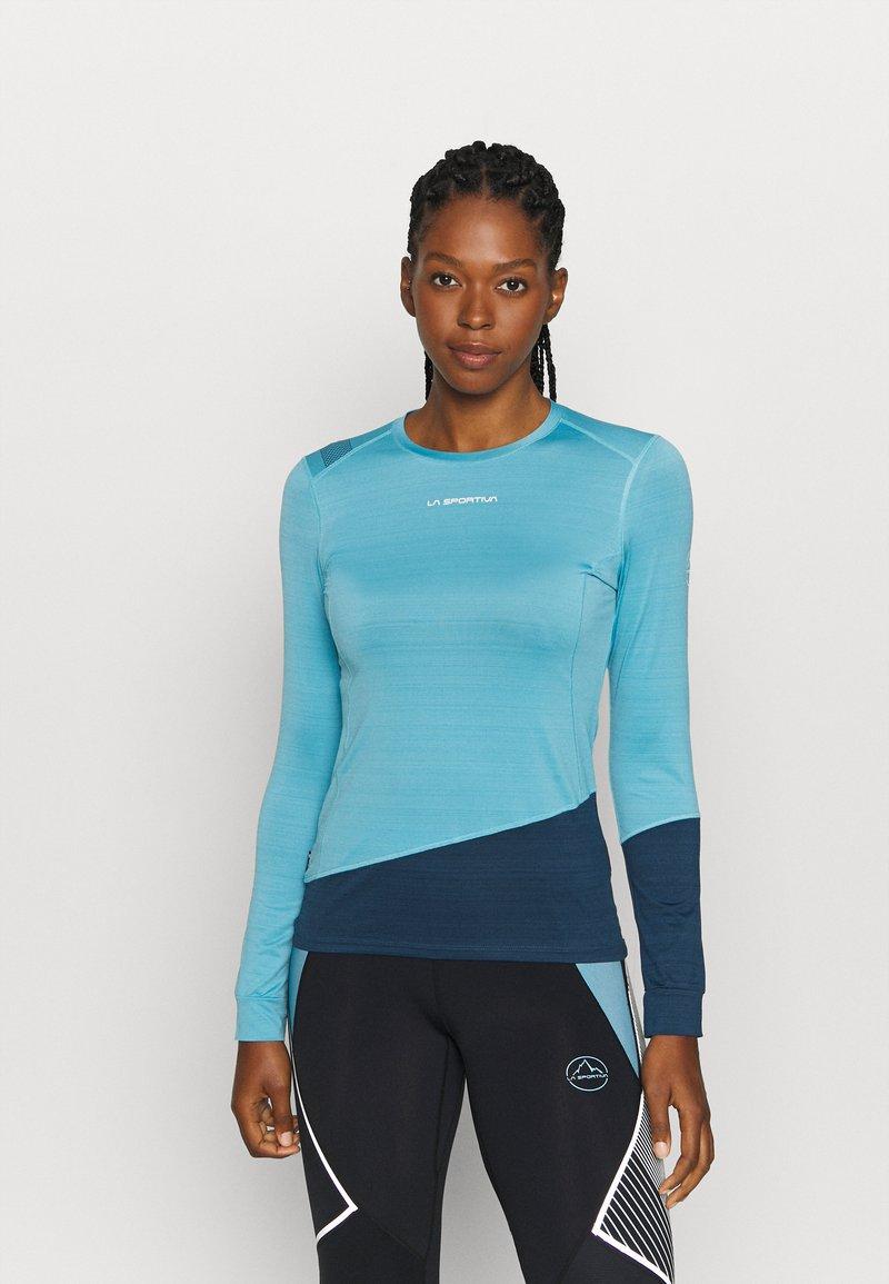 La Sportiva - DASH LONG SLEEVE - Sports shirt - pacific blue/opal