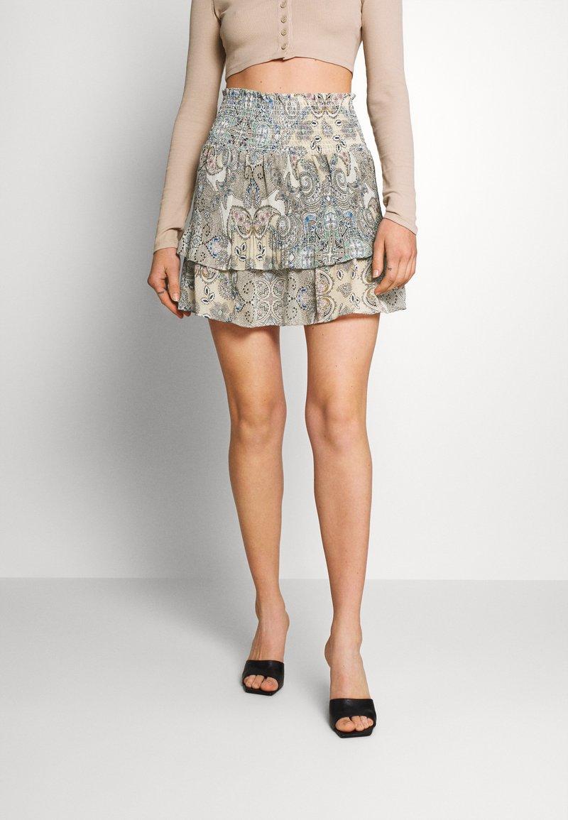 ONLY - ONLALLY SMOCK LAYERED SKIRT - Mini skirt - kalamata/desert