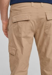 s.Oliver - Shorts - brown - 5