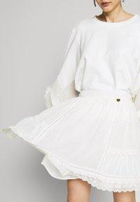 TWINSET - GONNA IN SANGALLO - Áčková sukně - neve - 3