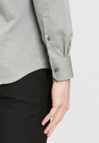 MICHAELIS - SLIM FIT - Overhemd - green - 4