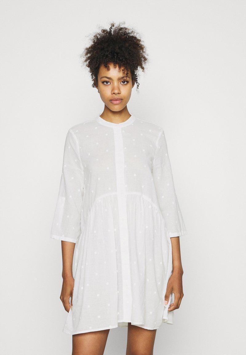 ONLY - ONLCHICAGO LIFE  DRESS - Shirt dress - cloud dancer