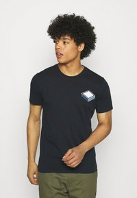 KnowledgeCotton Apparel - ALDER TEE  - T-shirt con stampa - total eclipse - 0