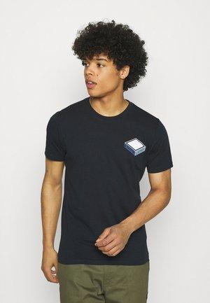 ALDER TEE  - T-shirt med print - total eclipse