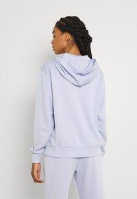 Nike Sportswear - TREND HOODIE - Sudadera - ghost - 2