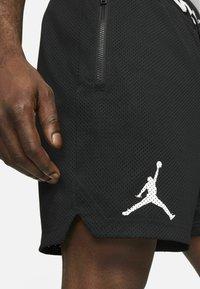 Jordan - Shorts - black/white - 4