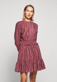 Rebecca Minkoff - DRESS - Skjortekjole - red/blue - 0